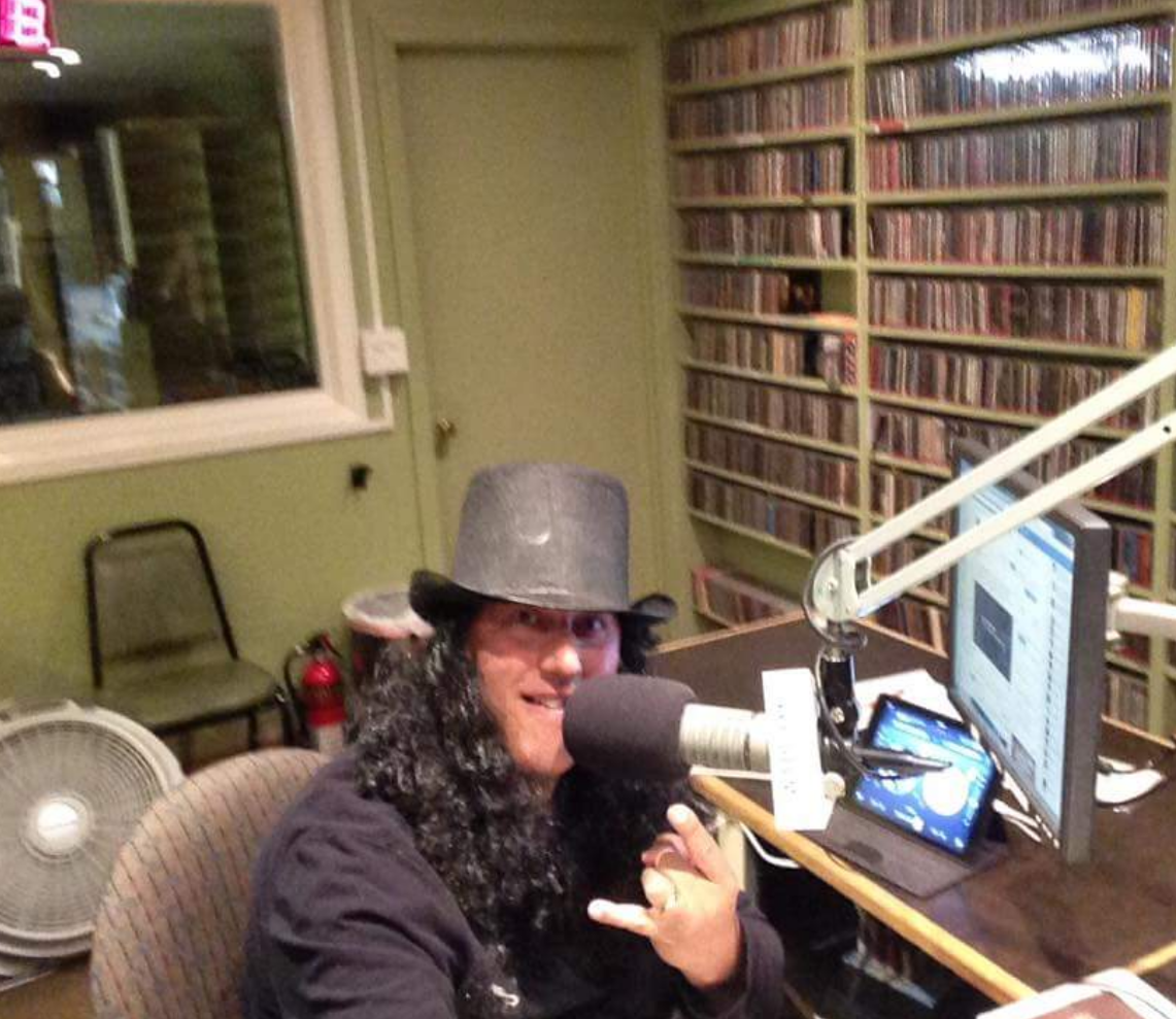 Sal as Slash